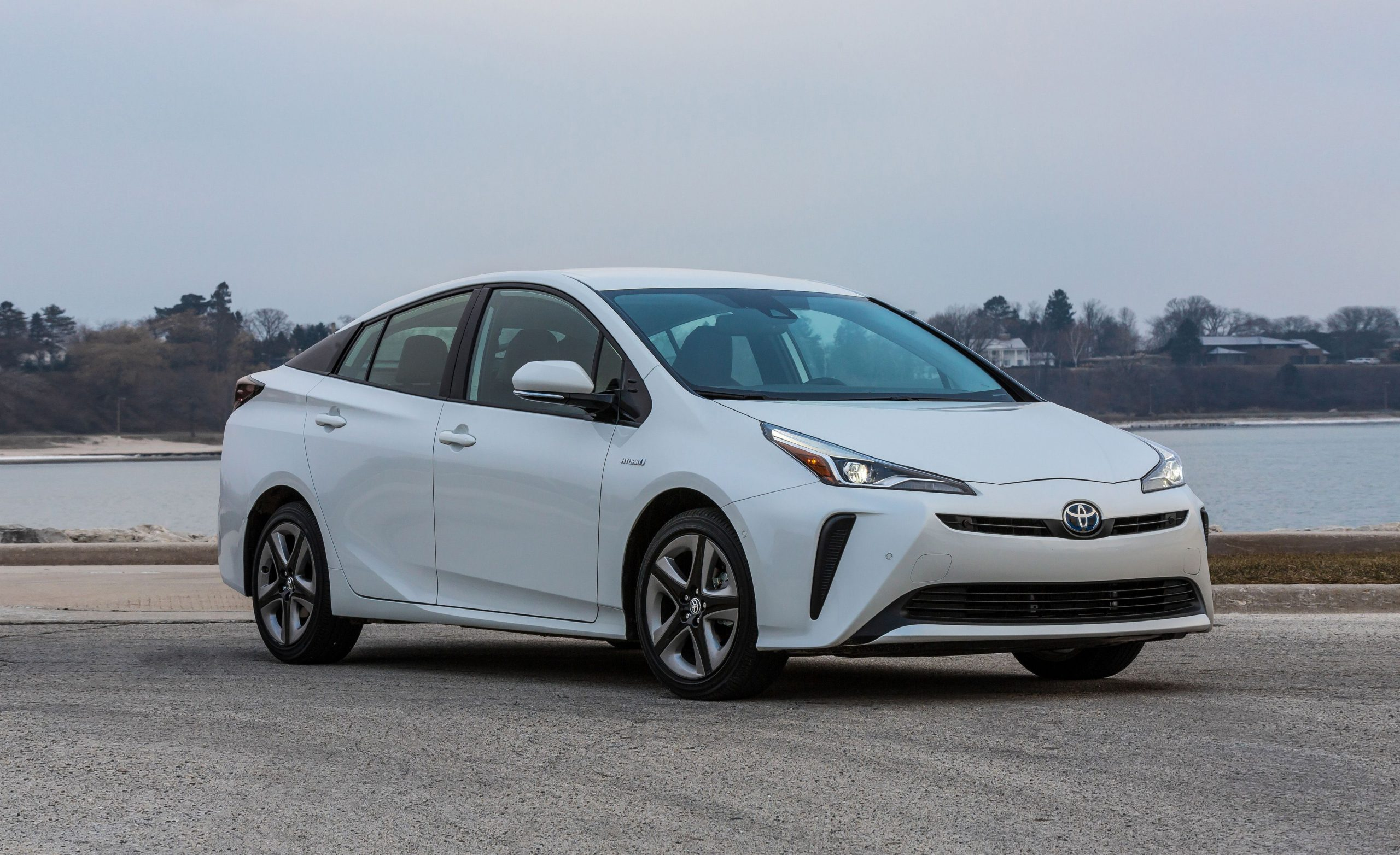 What are Hybrid Cars?